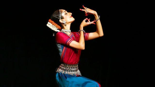 Arushi Mudgal an Odissi dancer, at the Drive East festival in New York, Aug. 13, 2018. Mudgal's 90-minute solo recital opening New York's annual festival of Indian dance and music included an interpretation of the Gita Govinda, a12th-century Sanskrit poem. (Andrea Mohin/The New York Times)