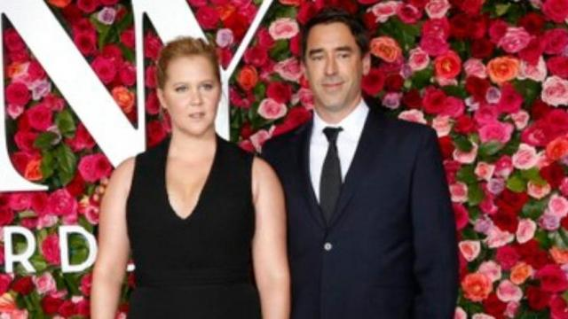 Amy Schumer expecting first child