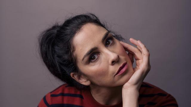 """-- PHOTO MOVED IN ADVANCE AND NOT FOR USE - ONLINE OR IN PRINT - BEFORE NOV. 4, 2018. -- FILE -- Sarah Silverman in Los Angeles, Sept. 26, 2017. When the stand-up comedian gets blue, she watches """"Defending Your Life."""" """"I always cry at the end. Happy tears,"""" she said. (Brinson+Banks/The New York Times)"""