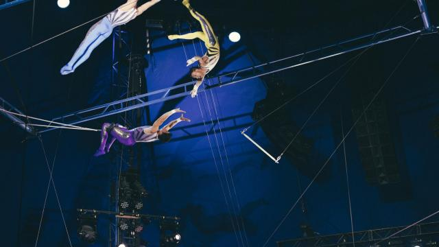 The Flying Tunizianis perform at the Big Apple Circus at Lincoln Center for the Performing Arts in New York, Nov. 14, 2018. The Flying Tunizianis perform with a safety net, which may nettle some thrill seekers, but their acrobatic feats are still astounding. (George Etheredge/For The New York Times)