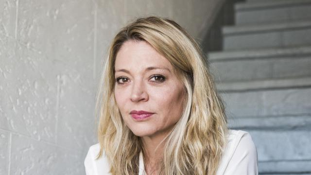 """FILE -- Katherine Kendall, an actress who was one of the first people to publicly accuse Harvey Weinstein of abuse or harassment, in Los Angeles, Oct. 9, 2017. A 2018 email from Weinstein criticizing the investigation against him appeared to be part of an aggressive strategy to plead his case to the public before trial. """"He knows how to run a marketing campaign, that's for sure,"""" Kendall said. (Emily Berl/The New York Times)"""