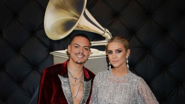 Evan Ross and Ashlee Simpson are seen on the red carpet of the 61st annual Grammy Awards in Los Angeles on Sunday, Feb. 10, 2019. (Francis Specker/CBS)