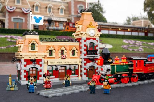 Lego's New Disney Train Station Set Has More Than 2,900 Pieces (Simplemost Photo)