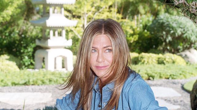 """The actress Jennifer Aniston at her home in Los Angeles, Aug. 26, 2019. Fifteen years after """"Friends,"""" Aniston is returning to television in Apple's """"The Morning Show"""" as a news anchor dealing with ageism, sexism and her co-host's misconduct. (Sandy Kim/The New York Times)"""