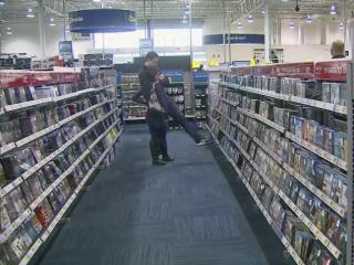 The Best Buy in Cary was not very crowded as the hours ticked down to Christmas 2013. (Tom Normanly / WRAL)