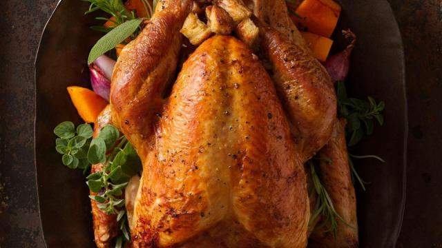 Selecting, preparing and cooking the centerpiece of your family's Thanksgiving meal can pile on a lot of stress. However there are some easy ways to simplify the process.