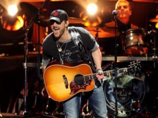Eric Church performs at 2011 ACM Awards
