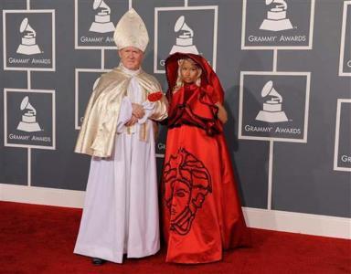 Nicki Minaj and her friend at the Grammy Awards on Feb. 12, 2012.