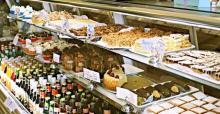 "IMAGE: Local sweet shop hosts ""Celebrity Cupcake Wars"""