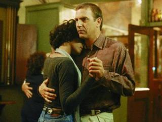 Kevin Costner and Whitney Houston in The Bodyguard, Copyright 1992 Warner Bros /Shooting Star