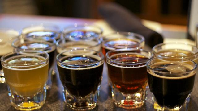 Tobacco Road Sports Cafe in Raleigh offers 3-ounce servings of draught beers for $1 each. (Image from The Straight Beef)