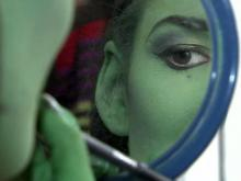 Becoming green: Actress draws 'Wicked' parallels to real life
