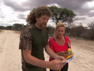 """At the Detour Decision Point, Married couple Chuck (left) and Wynona (right) must choose between Detour A """"Fire"""" or Detour B """"Fowl"""" in the Kalahari Desert on THE AMAZING RACE, Sunday, March 24 (8:00-9:00 PM, ET/PT) on the CBS Television Network. Photo: CBS ©2013 CBS Broadcasting, Inc. All Rights Reserved"""