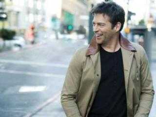 Harry Connick Jr. (Image from BoothAmphitheatre.com)
