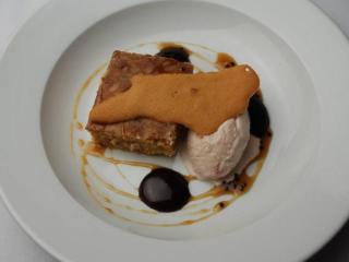 Course 6: NC Golden Yam Brownie Sundae, Chapel Hill Creamery Fresh Mozzarella & Strawberry Ice Cream, Carolina Tuille & Baeiri Caviar Class Clown Caramel, Class Clown Chocolate Glace (Image from Competition Dining)