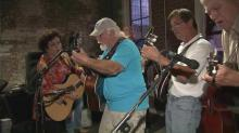 IMAGE: Jam session lets bluegrass musicians jump in and play