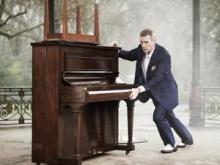 Hugh Laurie (Image from Ticketmaster)
