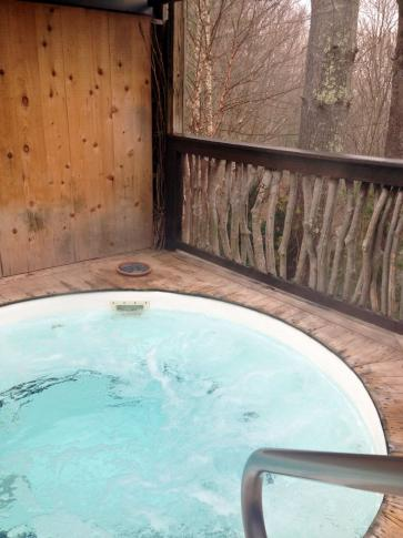 Shoji Retreats in Asheville offers private outdoor hot tubs.<br/>Photographer: Kathy Hanrahan