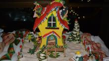 IMAGES: National Gingerbread House Competition