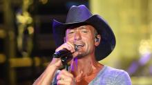 IMAGES: Tim McGraw rocks Walnut Creek