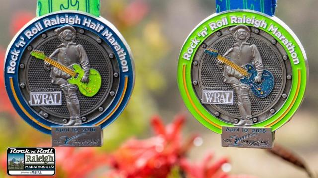 2016 Rock 'n' Roll Marathon and Half Marathon medals