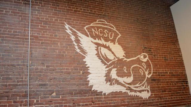 H-Street Kitchen features murals by local artist Luke Buchanan.
