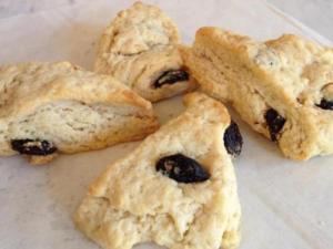 Cherry anise scones at Anisette Sweet Shop (Instagram)