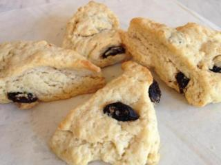 Cherry anise scones at Anisette Sweet Shop (Instagram)