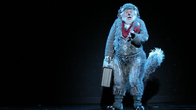 "Bob Lauder as Old Max in ""Dr. Seuss' How the Grinch Stole Christmas! The Musical""  (Photo by: PAPARAZZIBYAPPOINTMENT.COM)"