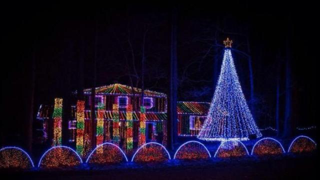 Graduate student creates 'famous light show' at his family's Durham ...