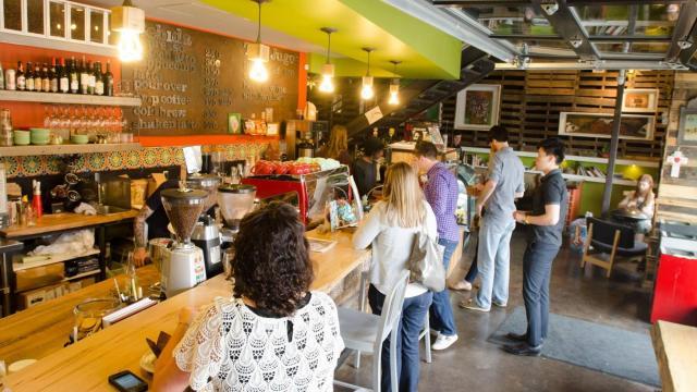 Cafe' de los Muertos (Facebook)
