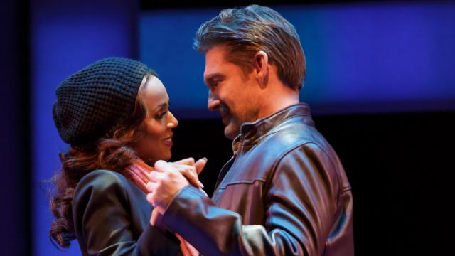 Deborah Cox as Rachel Marron and Judson Mills as Frank Farmer in The Bodyguard (Joan Marcus)