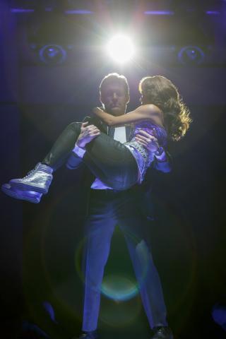 Judson Mills as Frank Farmer and Deborah Cox as Rachel Marron in The Bodyguard (Joan Marcus)