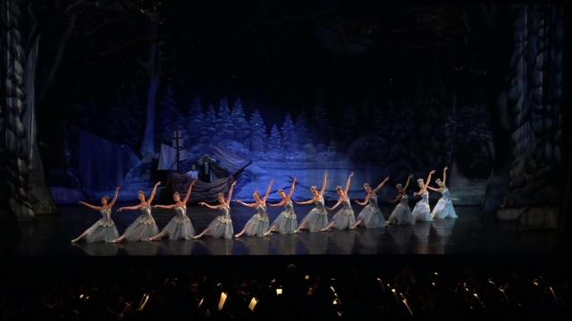 On Christmas Night, December 25, 2020, WRAL will broadcast an exclusive TV event: The Nutcracker, presented by PNC Bank and performed by the Carolina Ballet, the area's only professional ballet company.