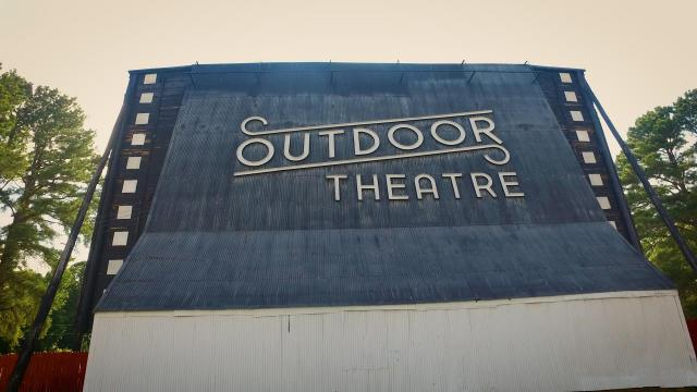 Raleigh Road Outdoor Theatre offers outdoor movies