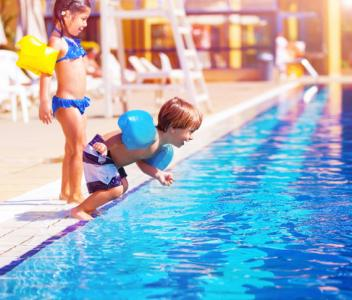 Families head to pools, lakes and the ocean every summer, even though an alarming number of children can't swim, and even good swimmers can drown in less than a minute. Knowing these things can help keep your family safe. (Deseret Photo)