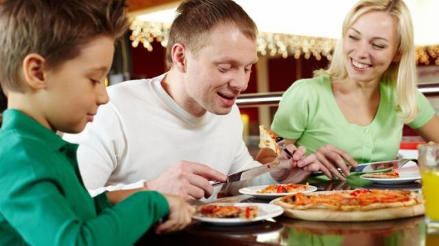 Emotional eating is much more common than some realize, and can feel absolutely overwhelming to the person trying to make sense of it. While it may be easy to blame the food, here are two tools to more effectively overcome emotional eating. (Deseret Photo)