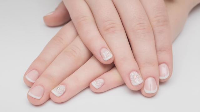 11 Health Problems You Can Detect By Looking At Your Nails