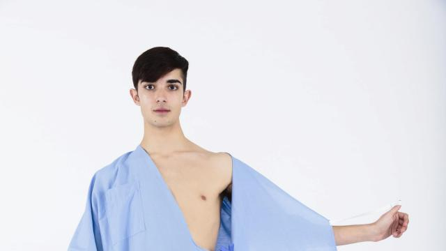 In an undated handout image, a kimono-inspired hospital gown created by Care and Wear in partnership with Parsons School of Design students. The gown opens in the front, has a butt-shielding pleat in the back, replaces five types of gowns with one, and allows for partial exposure through the use of ties and snaps. (Handout via The New York Times) -- NO SALES; FOR EDITORIAL USE ONLY WITH STORY SLUGGED HOSPITAL-GOWNS BY SAFRANOVA FOR JAN. 4, 2018. ALL OTHER USE PROHIBITED. --