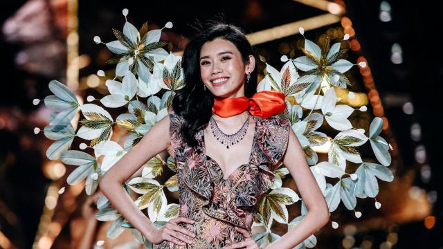 Ming Xi walks in the Victoria's Secret Fashion Show in New York, Nov. 8, 2018. Fashion — and even Congress — may be changing, but the lingerie brand of Angels clings to its push-up bras and wings. (Nina Westervelt/The New York Times)