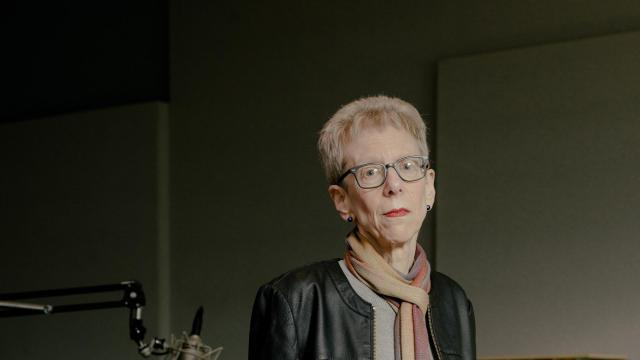 """-- PHOTO MOVED IN ADVANCE AND NOT FOR USE - ONLINE OR IN PRINT - BEFORE NOV. 18, 2018. -- Terry Gross, the host and co-executive producer of NPR's """"Fresh Air,"""" in the WHYY studios in Philadelphia, Nov. 7, 2018. The NPR host offers 8 spicy tips for having better conversations. (Daniel Dorsa/The New York Times)"""