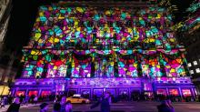 IMAGES: Why Holiday Windows Still Matter