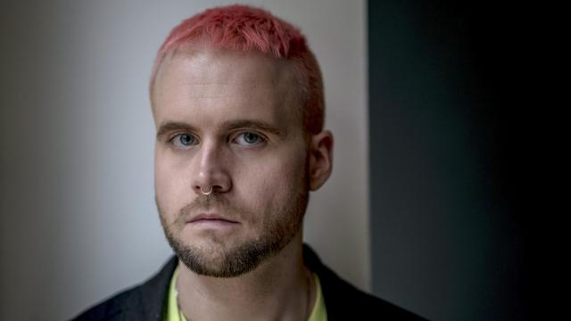 FILE — Christopher Wylie, who helped found the data firm Cambridge Analytica and worked there until 2014, in London, March 12, 2018. According to Wylie, preferences in clothing and music are the leading indicators of political leaning, and fashion profiling played a bigger role in the 2016 U.S. presidential election than anyone realized. (Andrew Testa/The New York Times)