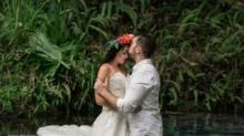 IMAGE: A Photographer Captured A Stunning Photo Of These Newlyweds Kissing Underwater