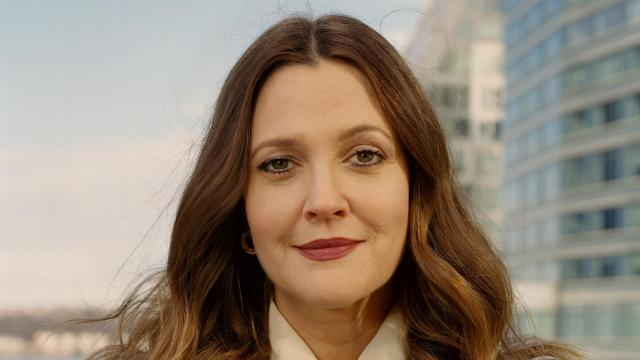 Drew Barrymore on the roof of the CBS building in New York, Dec. 7, 2020. Barrymore — actress, producer, director, author, Golden Globe winner, former emancipated minor, three-time ex-wife, two-time mother and beauty entrepreneur — is now hosting her own talk show. (Molly Matalon/The New York Times)