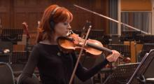 IMAGE: The Clean Cut: Lindsey Stirling performs on Disney's 'Pete's Dragon' soundtrack