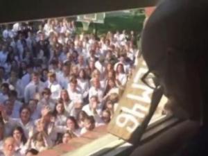 More than 400 students serenade cancer-stricken teacher (KTRK-TV/Tim McGraw/Facebook). (Deseret Photo)