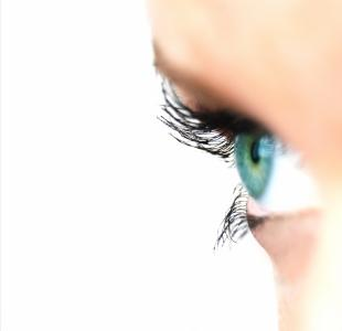 While you may use mascara as a way to make your lashes appear longer and fuller, here are some natural ways to get longer lashes. (Deseret Photo)