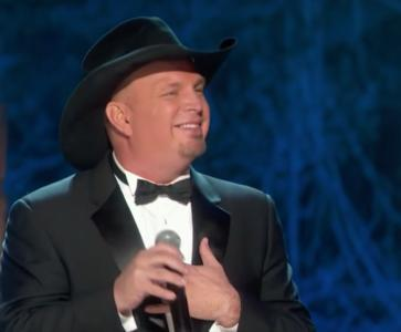 """Garth Brooks performs James Taylor's """"Shower the People"""" at the Kennedy Center Honors. (Deseret Photo)"""