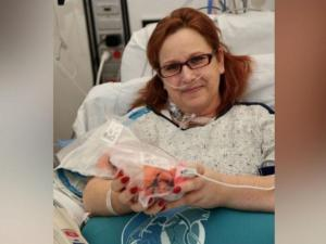 Transplant patient gets an early Valentine's Day gift: The chance to hold her own heart